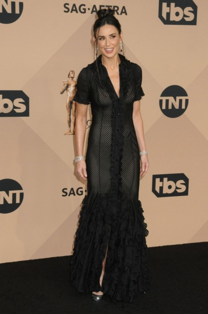 Demi Moore wore vintage Zac Posen to the SAGs: pretty or Morticia Addams?