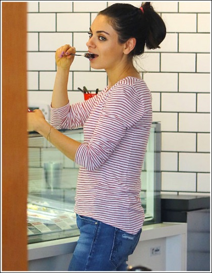 Mila Kunis Looking All Kinds Drool-Inducing While Enjoying Some Ice Cream
