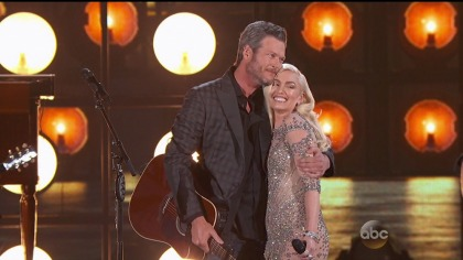 Blake Shelton & Gwen Stefani paying instagram users for relationship PR?