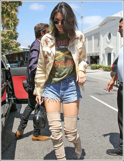 Kendall Jenner In Shorty Shorts And Thigh-High Boots' Yes Please!