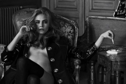 Cara Delevingne Gets Naked!