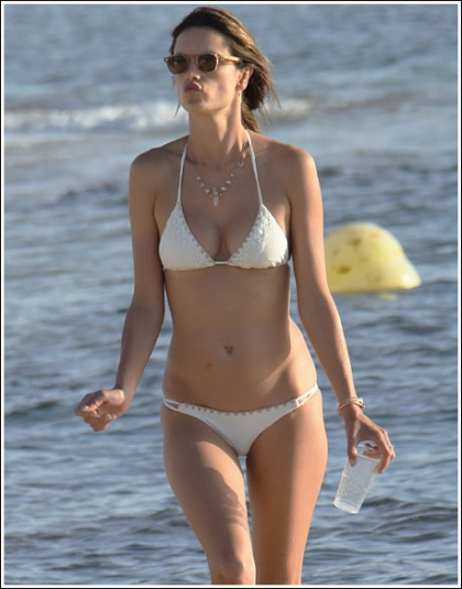 A Ton Of Ultra Sexy Alessandra Ambrosio Bikini Pictures' Yes Please!