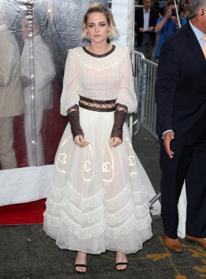 Kristen Stewart in Chanel at NY 'Cafe Society' premiere: milkmaid fug or cute'