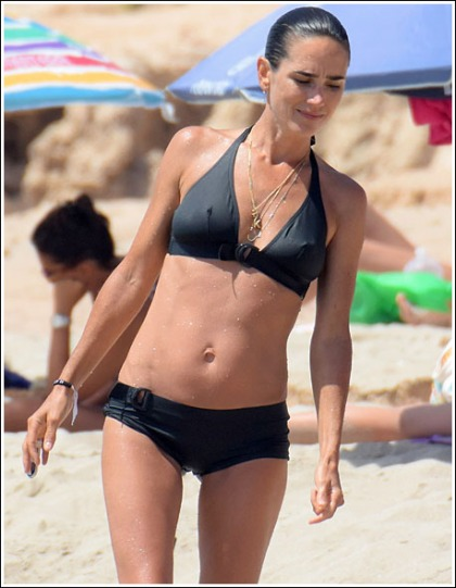 Jennifer Connelly Unleashes Her Impressive And Ultra Sexy Bikini Body!
