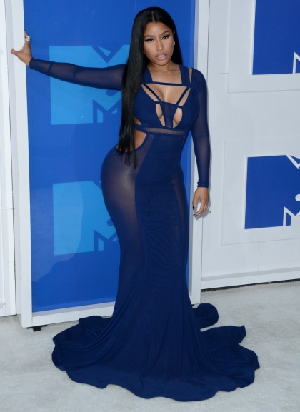 Nicki Minaj in blue Bao Tranchi at the VMAs: gorgeous or too sheer?