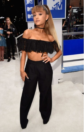 Ariana Grande Cute Outfit at 2016 MTV Video Music Awards in NY