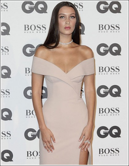 Bella Hadid Won The 2016 GQ Awards With A Drool-Inducing Cleavage Show
