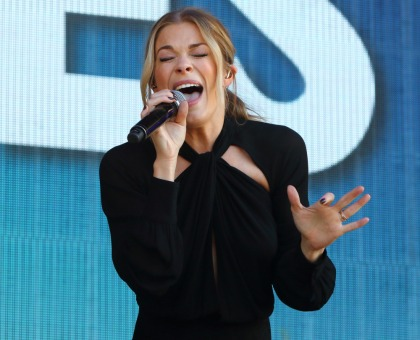 LeAnn Rimes canceled a weekend concert at the last minute, citing her TMJ