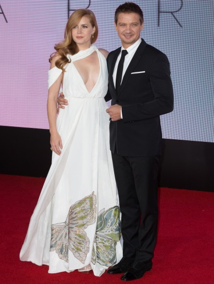 Amy Adams in Valentino at the LFF 'Arrival' premiere: lovely or unflattering'