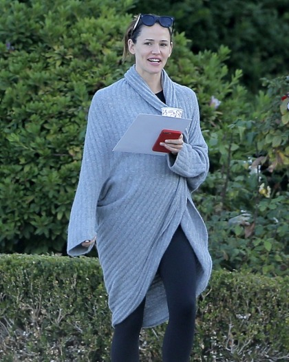 Jennifer Garner campaigned for Hillary, registered voters at the Univ. of Nevada