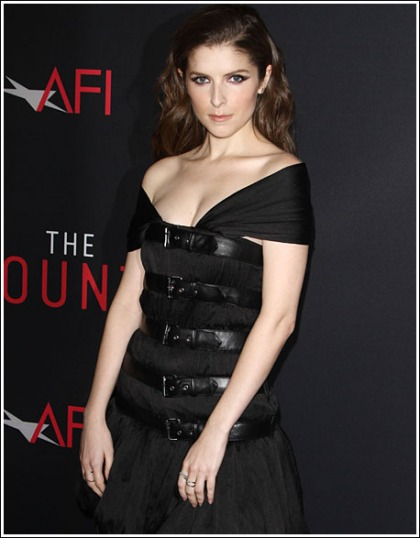 Anna Kendrick Drops Some Plentiful Cleavage