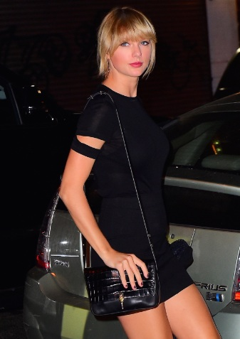 Taylor Swift Leggy Night Out in NYC