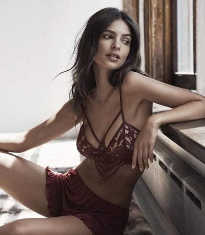 Emily Ratajkowski Attempts Modeling Again