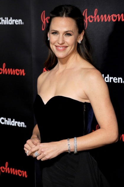 Jennifer Garner on doing charity: 'It's the only time I see cameras & think thank you'