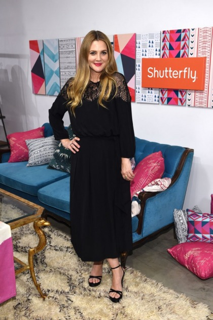 Drew Barrymore lost 20 lbs, is spending the holidays with her ex