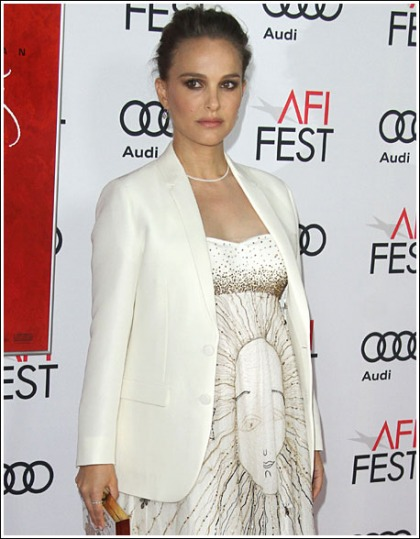 Pregnant Natalie Portman Busts Out Her Huge Cleavage!