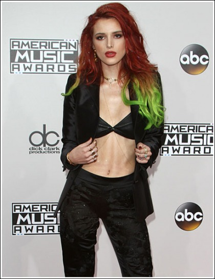 Bella Thorne Rocks Out With Her Cleavage Out At The 2016 American Music Awards
