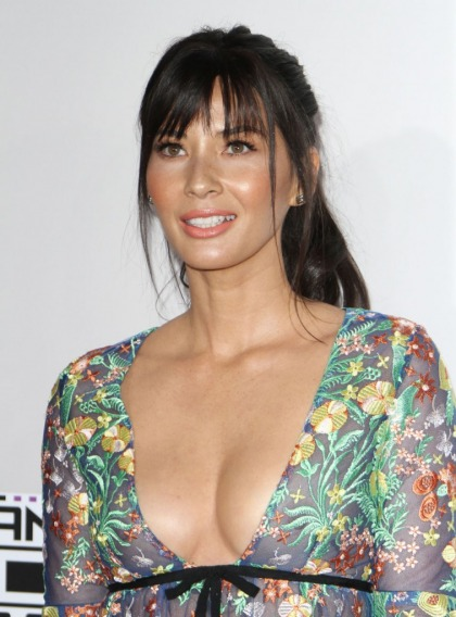Olivia Munn in Reem Acra at the AMAs: cute or way too short?