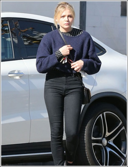 Chloe Grace Moretz Puts On A Sexy Leg Show In Ultra Tight Jeans