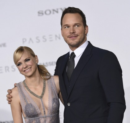 Chris Pratt bought Anna Faris a huge new ring for Christmas, she got him a tractor