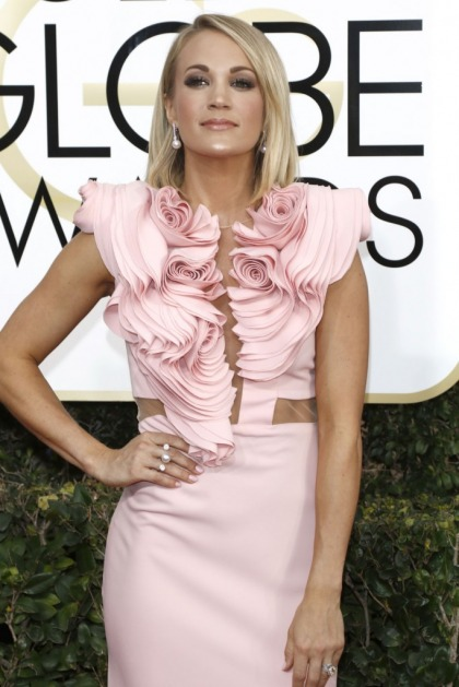 Carrie Underwood in pink Iris Serban at the Golden Globes: fussy or pretty?
