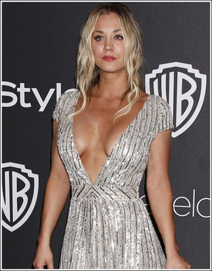 Kaley Cuoco's Huge Braless Cleavage Show Will Melt Your Eyeballs!