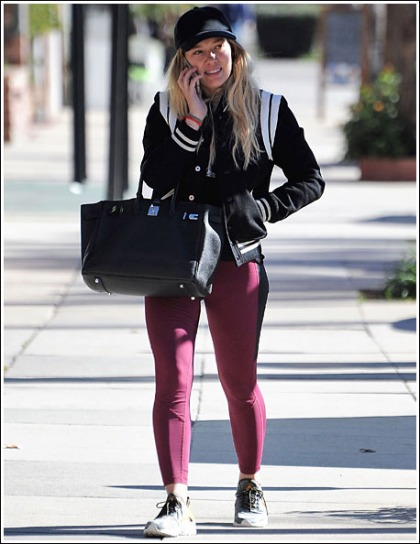 Hilary Duff's Sexy Legs And Groovy Thighs In Leggings' Yes Please!