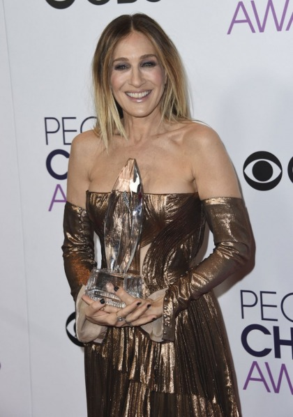 Sarah Jessica Parker in J Mendel at the People's Choice Awards: terrible or unique'