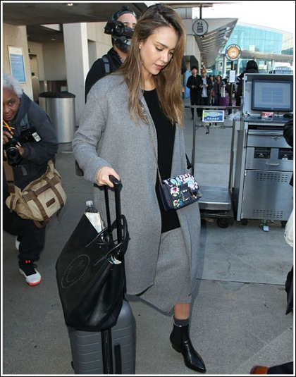 Jessica Alba Is A Ridiculously Hot Frequent Flyer