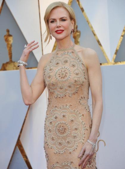 Nicole Kidman apparently claps like a madwoman, or the Grinch
