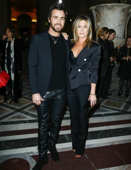 Jennifer Aniston's Paris-vacation style: Peak '90s girl or just fabulous'