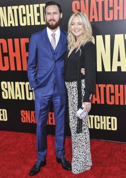 Kate Hudson & Danny Fujikawa made their loved-up red-carpet couple debut