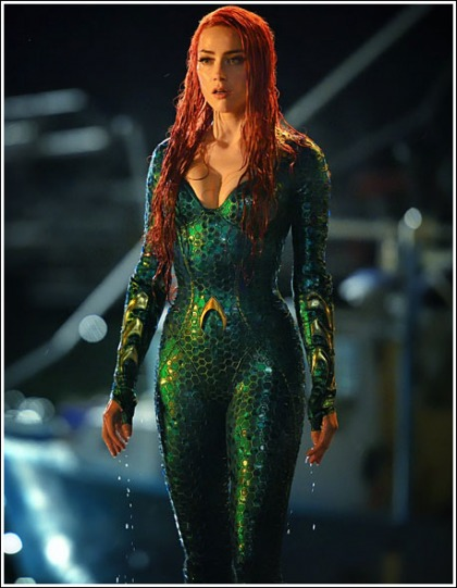 Amber Heard Gets Ultra Sexy, And Curvy, And Leggy, And Cleavagy As Aquaman's Mera!
