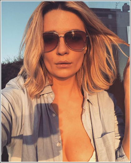 Mischa Barton Makes A Ridiculously Hot And Cleavagy Return