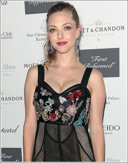 Amanda Seyfried Shows Off Her Massive 'New Mom' Cleavage!