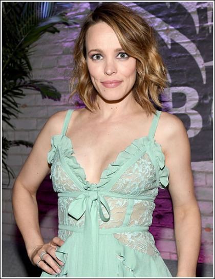 Rachel McAdams Busts Out Her Sexy Braless Cleavage