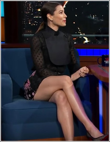 Jessica Biel Shows Off A Ton Of Her Ultra Sexy Legs' WOW!