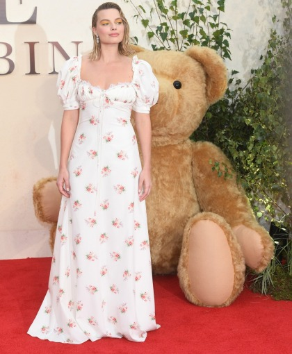 Margot Robbie in Brock Collection at the 'Christopher Robin' premiere: twee or cute'