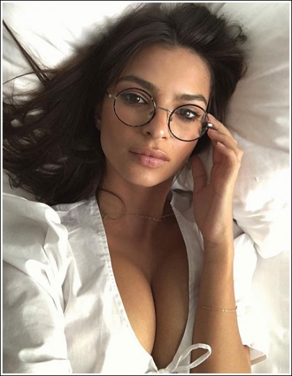 Emily Ratajkowski Gives Us A Drool-Inducing View Of Her Ginormous Braless Cleavage