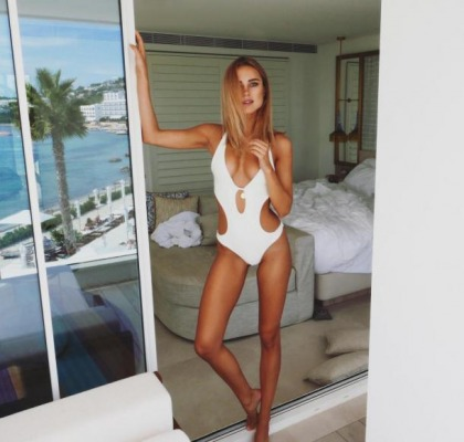 Kimberley Garner Keeps The Bikini Coming