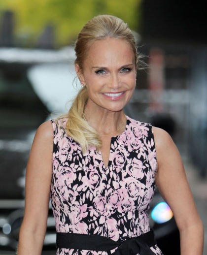 Kristin Chenoweth pressured on talk show to say if she had a problem with Weinstein