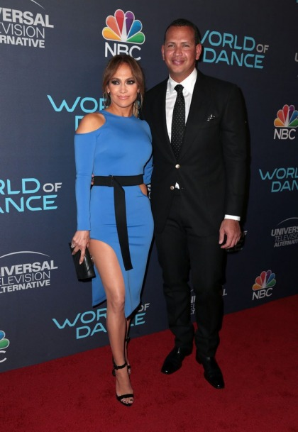 Jennifer Lopez and Alex Rodriguez are moving in together, 'looking for an apartment'