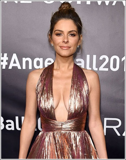 Maria Menounos Makes An Ultra Cleavagy Return