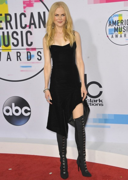 Nicole Kidman in Olivier Theyskens at the AMAs: super-cute or not so much?