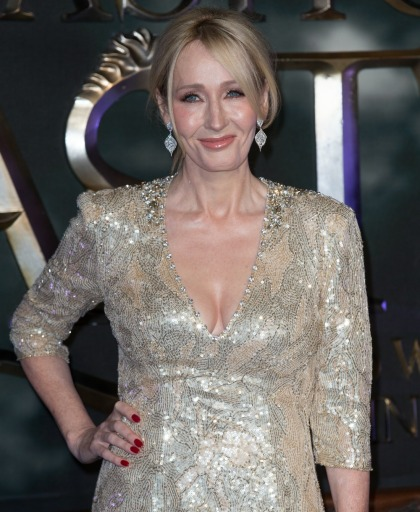 J.K. Rowling: Johnny Depp & Amber Heard's privacy 'must be respected'