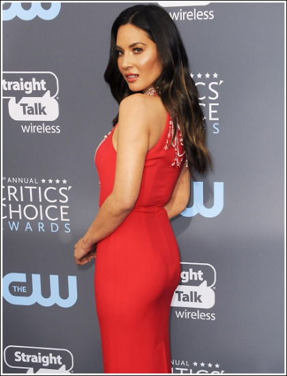 Olivia Munn Busting Out Her Bootylicious Booty Like A Champ!