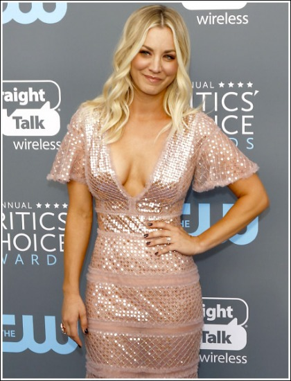 Kaley Cuoco's Massive Braless Cleavage Show Will Melt Your Freaking Eyeballs!