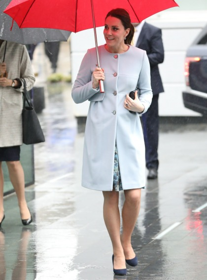 Duchess Kate repeats a blue Seraphine coat in London: super-cute?