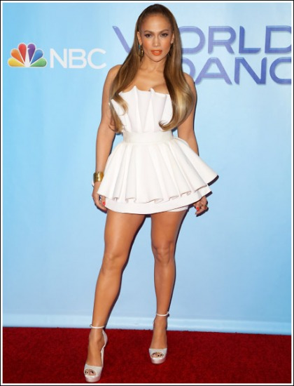 Jennifer Lopez Unleashes All (And I Mean All) Of Her Insanely Sexy Legs