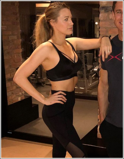 Blake Lively Shows Off Her Ultra Sexy/Fit Body And Bodacious Bosom